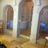 4/27/2013 tarihinde Pinarziyaretçi tarafından Flintstones Cave Hotel'de çekilen fotoğraf