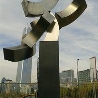 Foto tirada no(a) Parque de las Esculturas por CamiLa M. em 9/23/2012