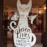 Foto tirada no(a) Seven Lives Tacos Y Mariscos por Troy em 11/26/2014