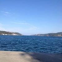 Das Foto wurde bei Kefeliköy Sahili von Murat Y. am 10/21/2012 aufgenommen