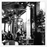 Photo prise au Lézard Café par Caroline R. le12/1/2012