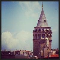 Foto tomada en Torre de Gálata por Recep K. el 7/27/2013
