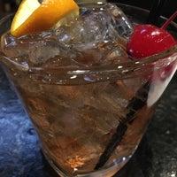 5/16/2016 tarihinde Jake A. S.ziyaretçi tarafından Bar Louie'de çekilen fotoğraf