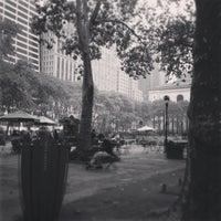 Foto diambil di Bryant Park oleh Phillipe pada 10/6/2013