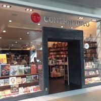 Photo taken at Librería Contrapunto by Hector G on 2/7/2015