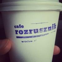 Das Foto wurde bei Cafe Rozrusznik von Krzys J. am 5/29/2013 aufgenommen