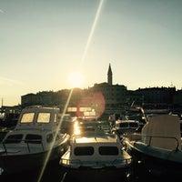 Das Foto wurde bei Vinoteka San Tommaso von Christian Z. am 6/28/2015 aufgenommen