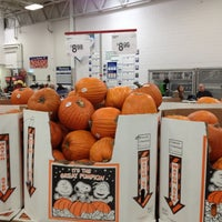 Photo taken at Sam's Club by Tracie on 10/13/2012