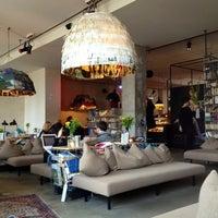 Foto tomada en Michelberger Hotel por Maku el 10/26/2012