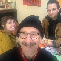Foto tomada en Tompkins Square Bagels por Matt S. el 11/23/2016
