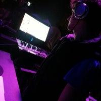 Photo taken at Parapithecus Evolution Bar by Nati O. on 10/28/2012