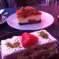 1/26/2013 tarihinde Elif P.ziyaretçi tarafından Beyaz Fırın & Brasserie'de çekilen fotoğraf