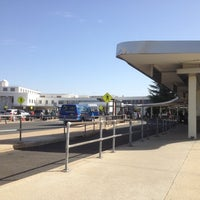 รูปภาพถ่ายที่ Terminal A โดย Robert เมื่อ 10/20/2012