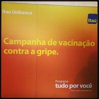 Photo taken at Itaú by Fabiana N. on 4/23/2014