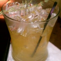Foto diambil di Mollie Fontaine's Lounge oleh LaShonda C. pada 10/12/2012