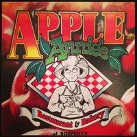 Photo taken at Apple Annie's by Arnaldo J. on 1/13/2013