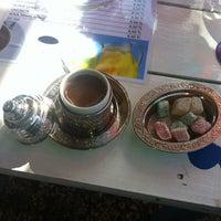 10/3/2012 tarihinde Erdogan A.ziyaretçi tarafından Seyir Cafe'de çekilen fotoğraf
