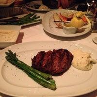 Das Foto wurde bei Mastro's Steakhouse von Jennifer P. am 4/25/2013 aufgenommen