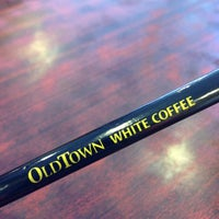 Photo taken at OldTown White Coffee by Huzack on 3/2/2013