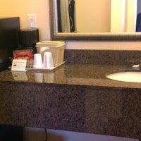 Photo taken at Vagabond Inn San Diego Hotel Circle by Leticia on 3/21/2013