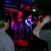 Photo prise au Stone Pub par Priscila C. le11/25/2012