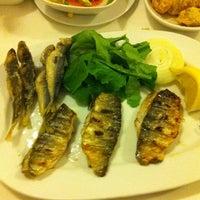 1/12/2013 tarihinde Gvnziyaretçi tarafından Olta Balık Restaurant'de çekilen fotoğraf