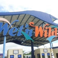 Photo taken at Wet'n Wild by Antonio C. on 11/17/2012