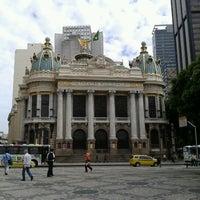 Foto tirada no(a) Theatro Municipal do Rio de Janeiro por Eric d. em 3/20/2013