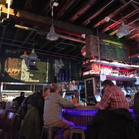 Photo taken at Inwood Bar and Grill by Waldo on 2/17/2017