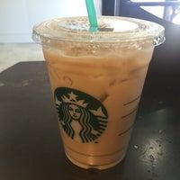 Foto tomada en Starbucks Coffee por Jsk E. el 8/4/2016