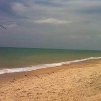 Foto tirada no(a) Praia do Carro Quebrado por Jamille em 1/21/2013