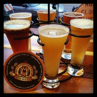 Foto scattata a Belching Beaver Brewery Tasting Room da Ernesto M. il 6/7/2013