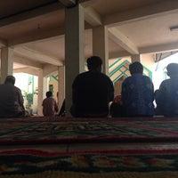 Photo taken at Masjid As Salam Kantor Samsat Banjarmasin by Hendru W. on 2/21/2014