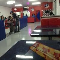 Foto tirada no(a) America Pizza por Anereu B. em 6/26/2013