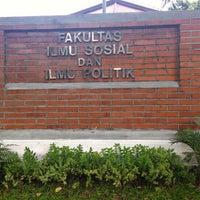 Photo taken at Fakultas Ilmu Sosial dan Ilmu Politik (FISIP) by Lufi H. on 6/4/2016