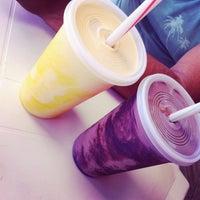 Foto tirada no(a) Milk Shake Tropical por Pretinhah L. em 2/10/2014