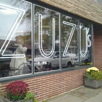 10/13/2012에 Diana C.님이 Madame Zuzu's Tea House에서 찍은 사진