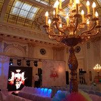 12/21/2012 tarihinde Екатерина К.ziyaretçi tarafından Fairmont Grand Hotel Kyiv'de çekilen fotoğraf