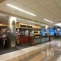 Photo taken at Gordon Biersch Bar & Restaurant by Michael K. on 11/8/2012