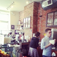 Photo taken at Ultimo Coffee @ Brew by Alya S. on 5/18/2013