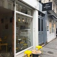 Photo prise au Le Peloton Café par Bobby S. le4/13/2017