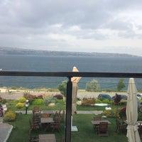 Photo taken at Batı Panorama Cafe-Restaurant by Yağmur Ü. on 6/4/2014