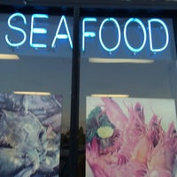 Photo taken at Ole Bay Seafood by 💥NY❸ on 6/21/2014