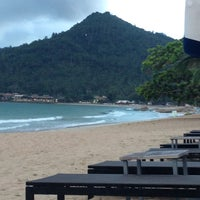 Photo taken at Chaweng Noi Beach by Paul on 11/7/2013
