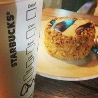 6/27/2013 tarihinde Merve A.ziyaretçi tarafından Starbucks'de çekilen fotoğraf