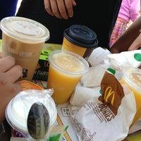 Photo taken at McDonald's by @Zendi 💋✈️🍻🇺🇸💃👥🚇🌇 on 7/27/2013