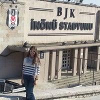 Photo taken at Beşiktaş İnönü Stadyumu Yeni Açık by Tutku on 10/27/2012