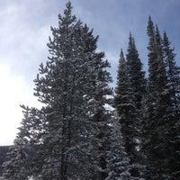 รูปภาพถ่ายที่ Summit cove โดย Isabel L. เมื่อ 12/9/2012