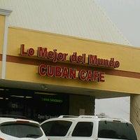 """Foto tomada en Lo mejor Del Mundo """"Cuban Cafe"""" por Dave P. el 3/12/2013"""