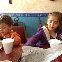 Das Foto wurde bei Jalisco Cafe von RenyaDeDulce am 1/24/2013 aufgenommen